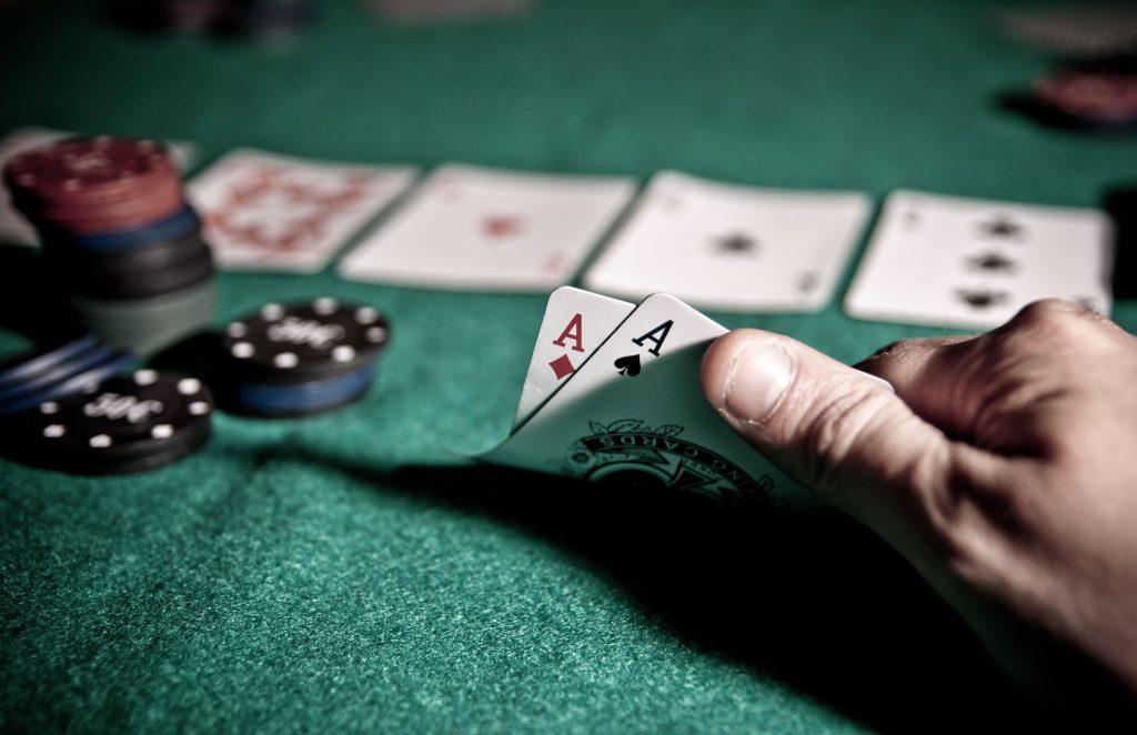 bluff card game online